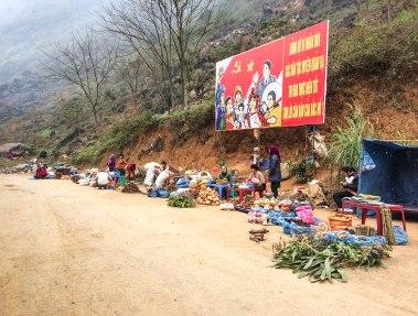 Market in Quan Ba